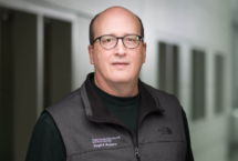 Jonathan Lurie, M.D., studies ways to improve back pain treatment for veterans.